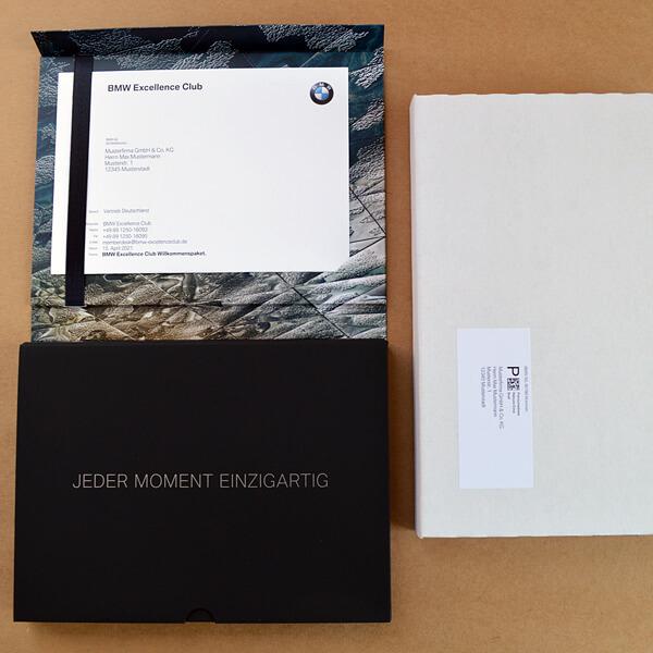 Kuvertierung: Mailing mit Kartonverpackung, frankiert