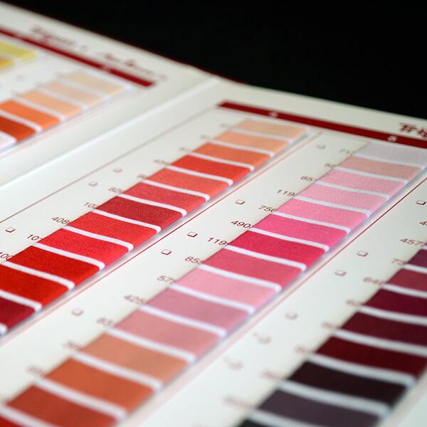 Steppstichheftung: Musterheft Faden Farben